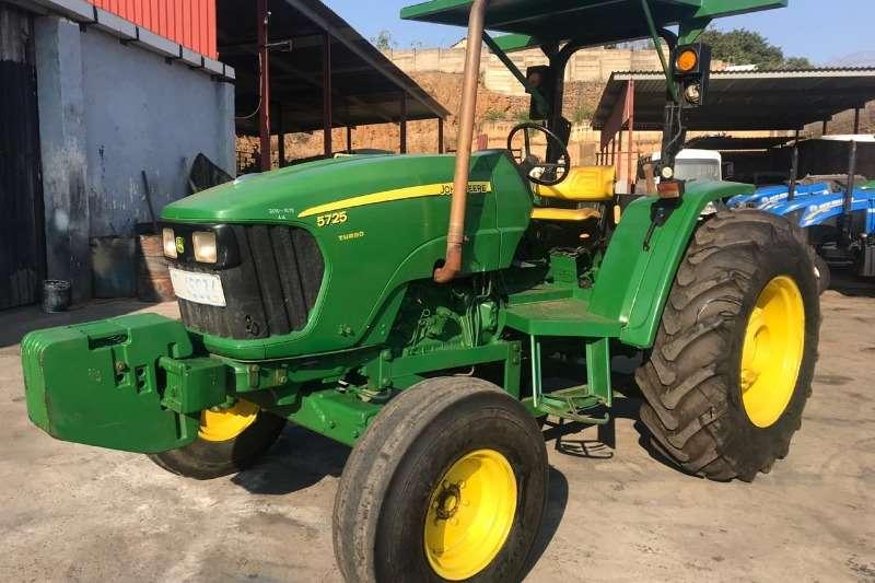 John Deere Tractors 5725 4x2 2011