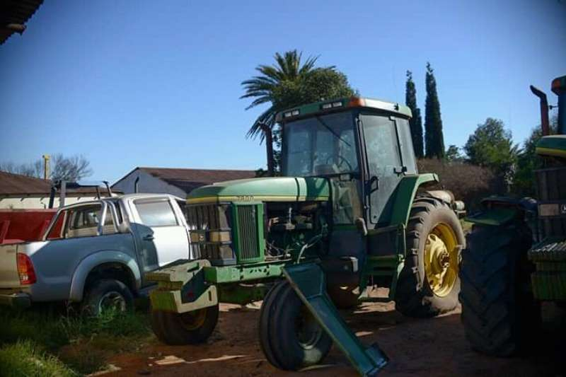 John Deere 7400 Tractors