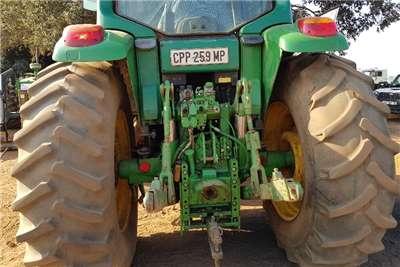 John Deere Four wheel drive tractors 6620 CAB Tractors