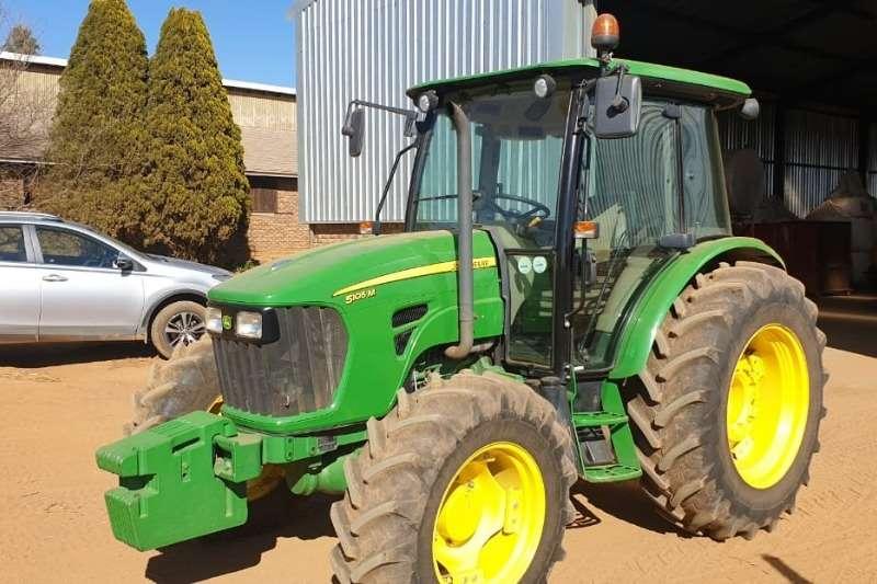 John Deere Tractors Four wheel drive tractors John Deere 5105 M 2016
