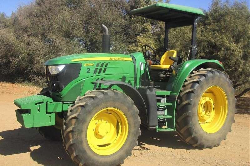 John Deere Four wheel drive tractors John Deere 6125 M Rops Tractors
