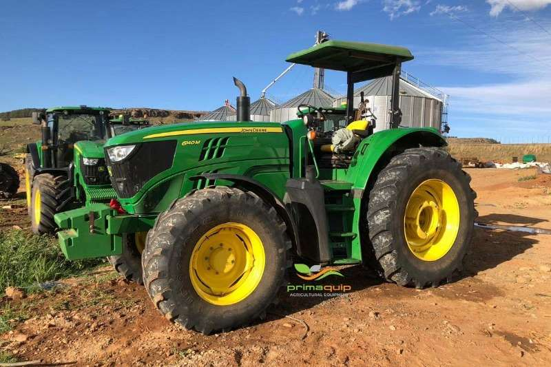 John Deere Tractors Four wheel drive tractors John Deere 6140 M 2016
