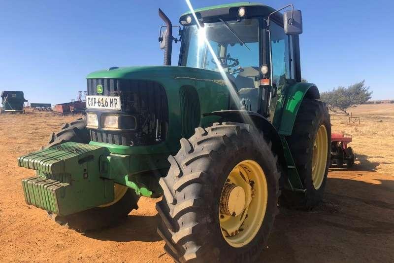 Top 2004 John Deere John Deere 6920 Four wheel drive tractors Tractors &YY_18