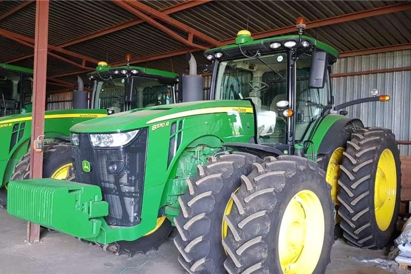 John Deere Tractors Four wheel drive tractors John Deere 8370 R 2019