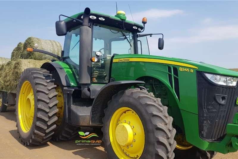 John Deere Tractors Grape harvesters John Deere 8245 R 2016