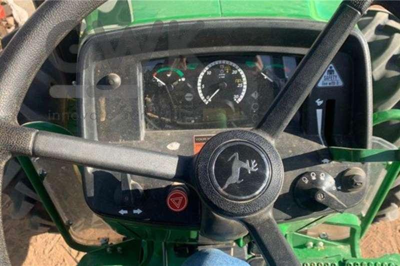 John Deere John Deere 5075E Tractors
