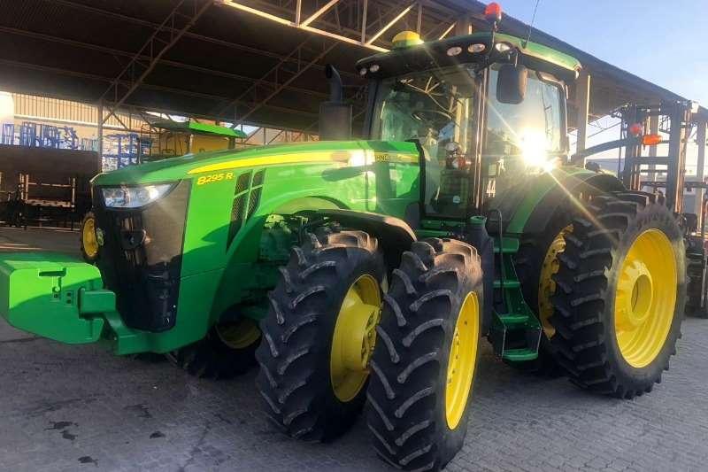John Deere Tractors Row crop tractors John Deere 8295 R 2018