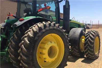 John Deere Speciality tractors John Deere 8370 R Tractors