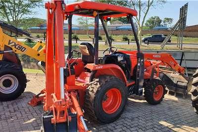 Kubota 4WD tractors Kubota L39 4wd TLB Tractors