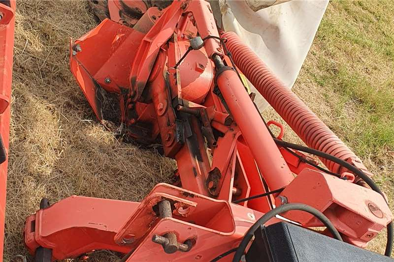 Kuhn Disc mowers GMD 800 8 disc 8 tol mower Haymaking and silage