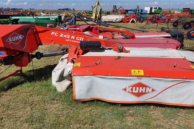 Kuhn Disc mowers Kuhn FC 243 R G II 6 disc mower crimper Haymaking and silage