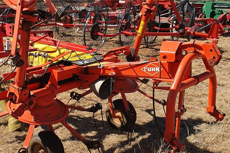 Kuhn Tedders GF 502 DIGIDRIVE Quad spinner Haymaking and silage