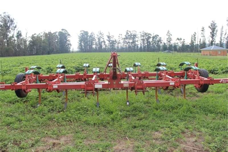 Kverneland Cultivators