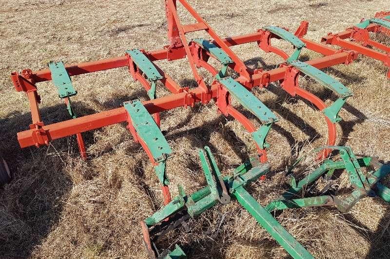 Kverneland Ploughs Chisel Ploughs Kverneland CLG II / CLG 2 7 tine / 7 tooth