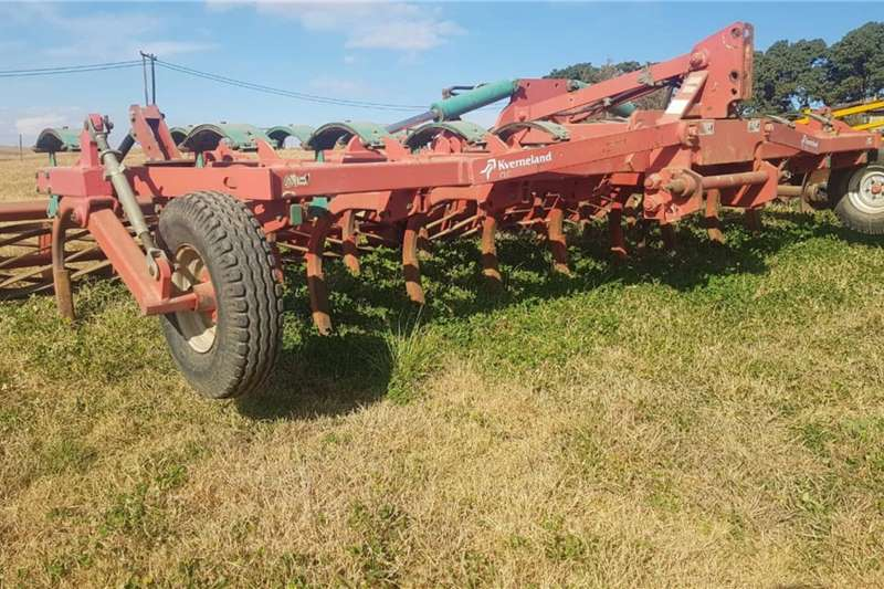 Kverneland Tillage Equipment Cultivators Kverneland CLC 19 Tand