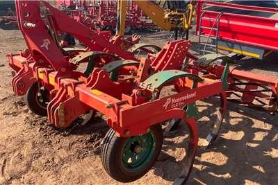 Kverneland Cultivators Kverneland CLC 7 Tyne Tillage equipment