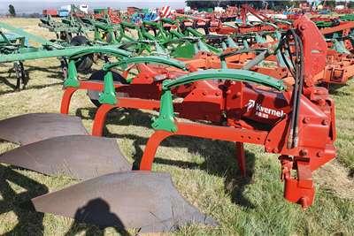 Kverneland Ploughs Kverneland AD 85 3 furrow chissel plough Tillage equipment