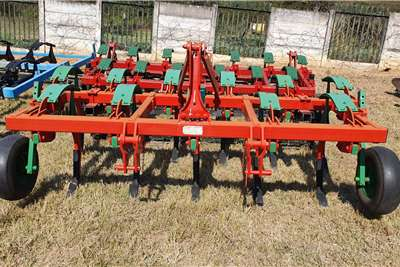 Kverneland Rippers Kverneland CLC 11 and 13 tooth Tillage equipment
