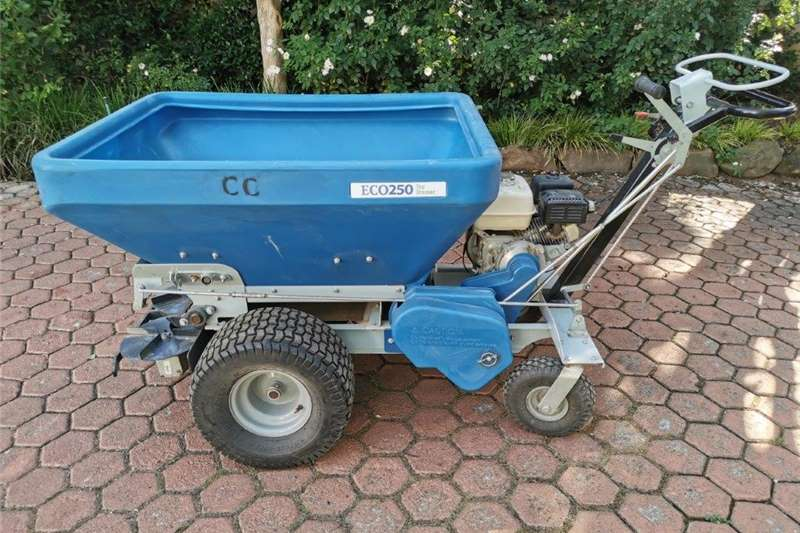 Lawn equipment Lawnmowers ECOLAWN Top Dresser