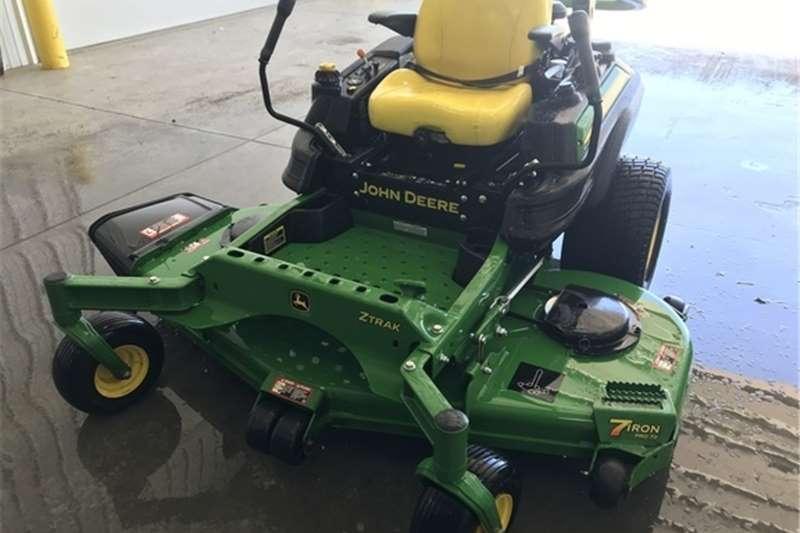 Lawn equipment Lawnmowers John Deere Z970R Lawn