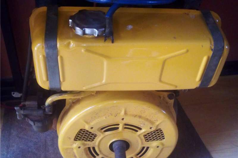 Lawn equipment Lawnmowers Robin diesel engine
