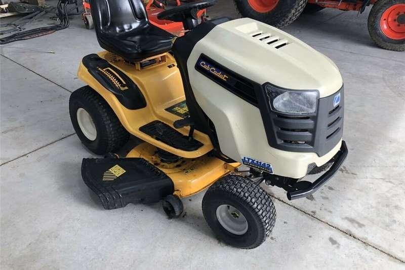 Lawn equipment Lawnmowers Used LTX 42KW