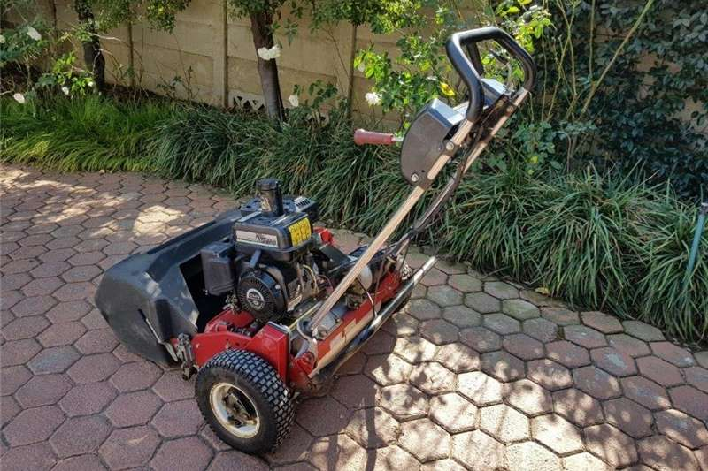 Lawn equipment TORO Greensmaster Lawnmower Walk Behind