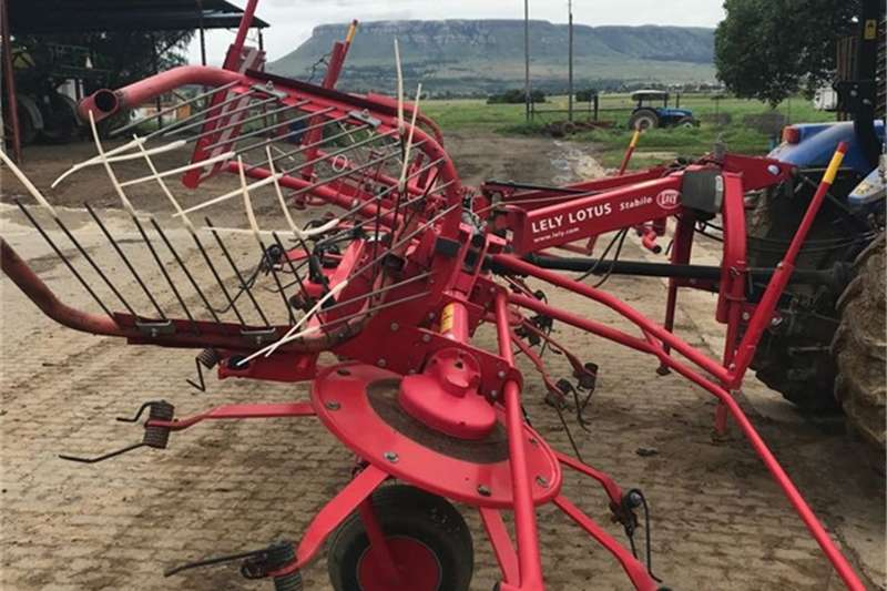 Lely Lawn equipment