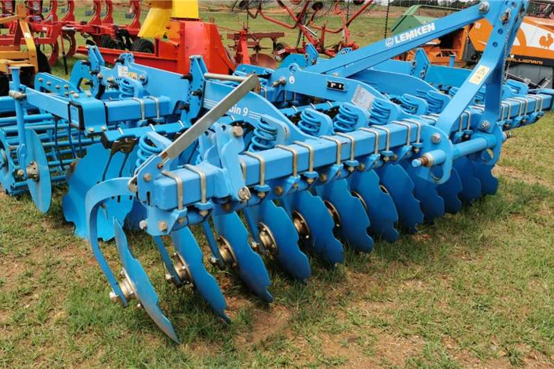 LEMKEN Tillage equipment Ploughs Lemken Rubin 9/300 2018