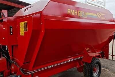 Feed mixers Brand new Fimaks 6 cube horizontal feed mixers Livestock