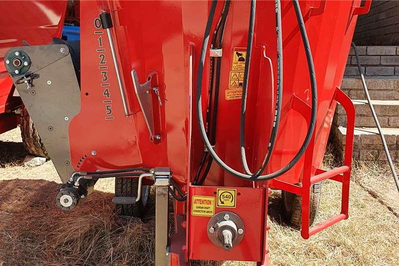 Feed mixers New Viraks Vertical mixer 2 cube Livestock