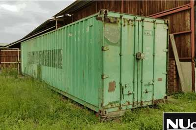 Livestock Handling Equipment 12M CONTAINER