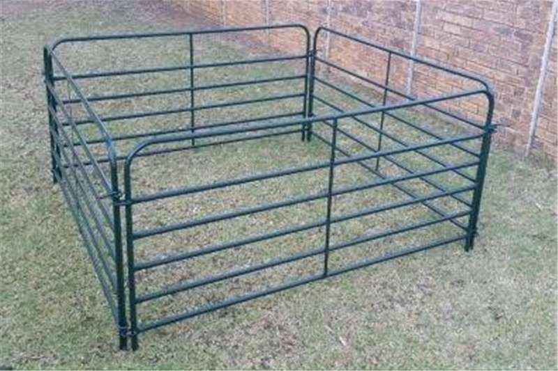 Livestock handling equipment Livestock crushes and equipment Drukgang panele en hekke/ sheep crush pen and gate