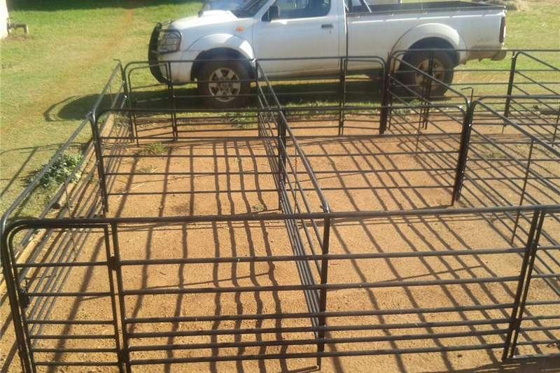 Livestock crushes and equipment Farm gates , sheep farming equipment , cattle crus Livestock handling equipment