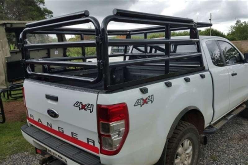 Livestock crushes and equipment Livestock bakkie frames Livestock handling equipment