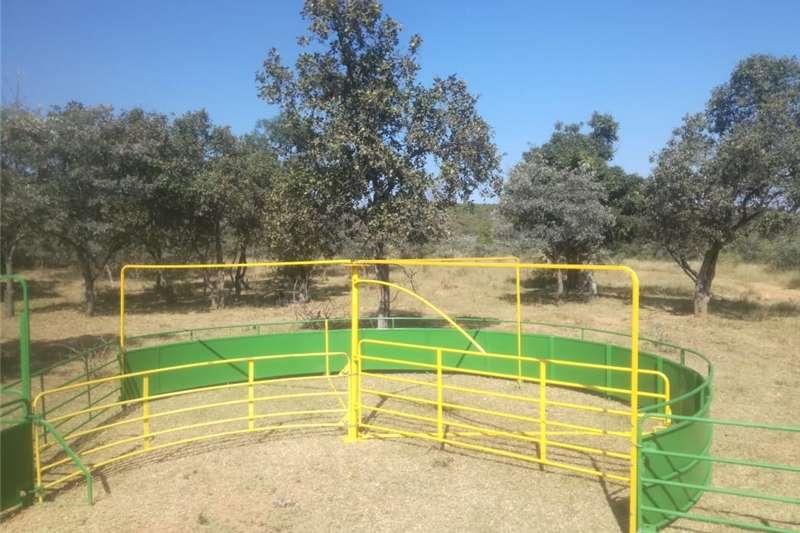 Livestock crushes and equipment Veldmaster500  Skaapkraal Livestock handling equipment