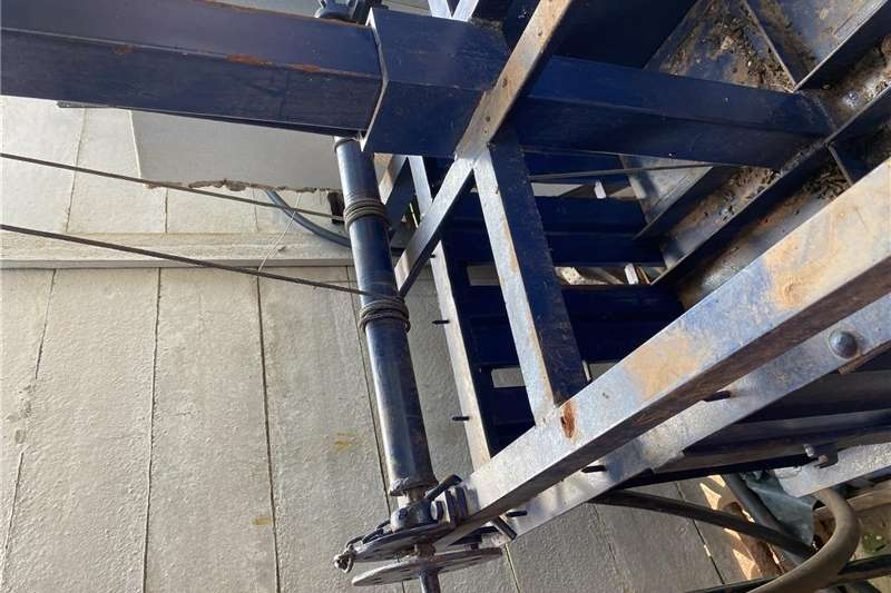 Livestock crushes and equipment Wool press/ wolpers Livestock handling equipment