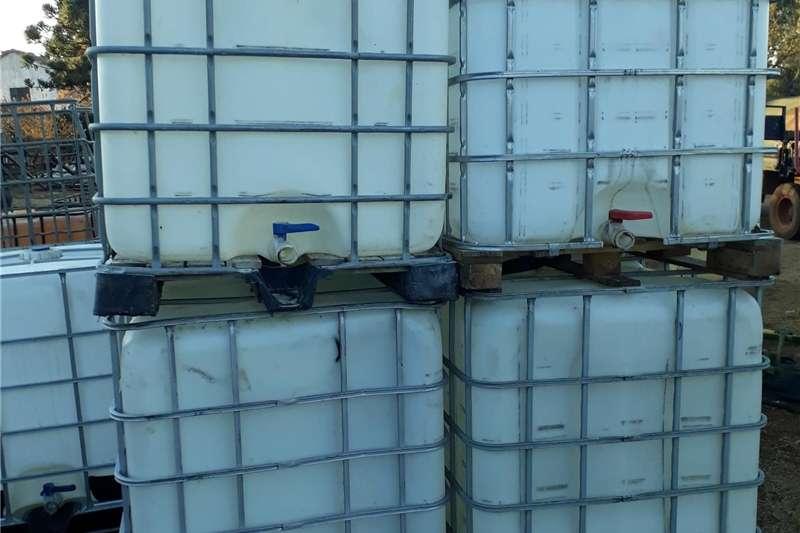 Livestock Handling Equipment Livestock Dipping and Spraying flow bins 1000 liter