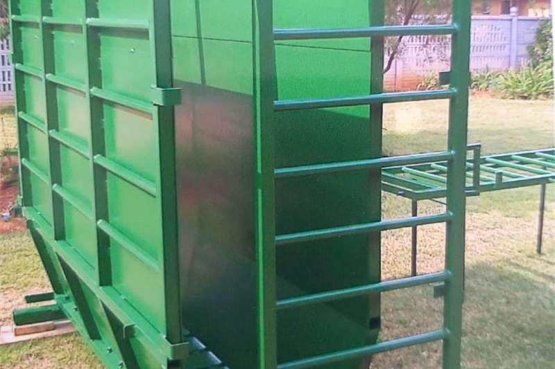 Livestock handling equipment Livestock scale equipment Cattle crate scale