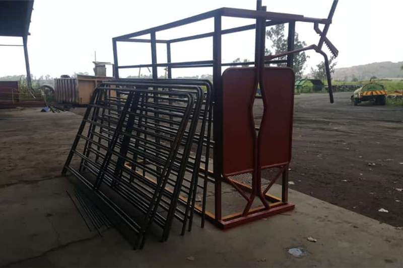 Livestock handling equipment Livestock scale equipment Neck Clamp Scale with Complete Cattle Body Clamp