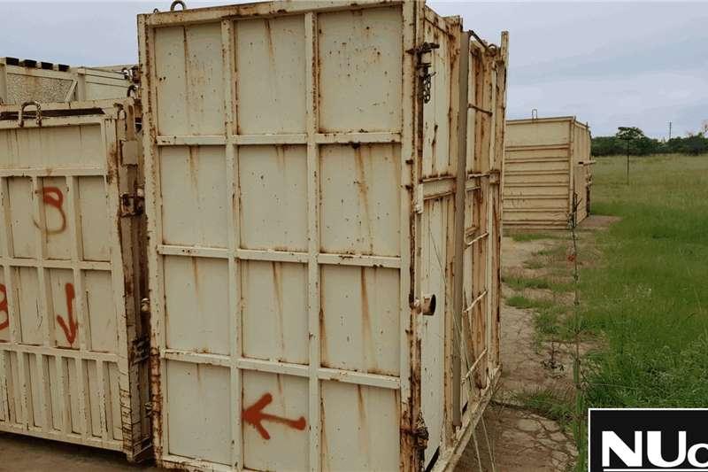 Livestock handling equipment RHINO CALF CRATE