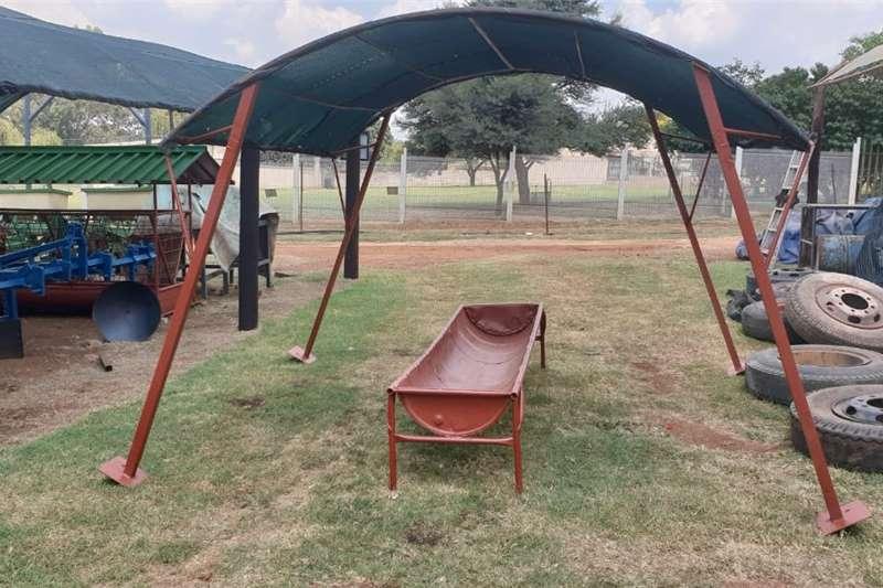 Livestock feed voerbak met skadunet 3 meter Livestock