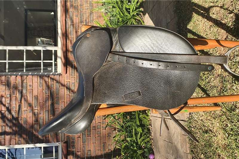 Livestock Other livestock Trident Dressage Saddle