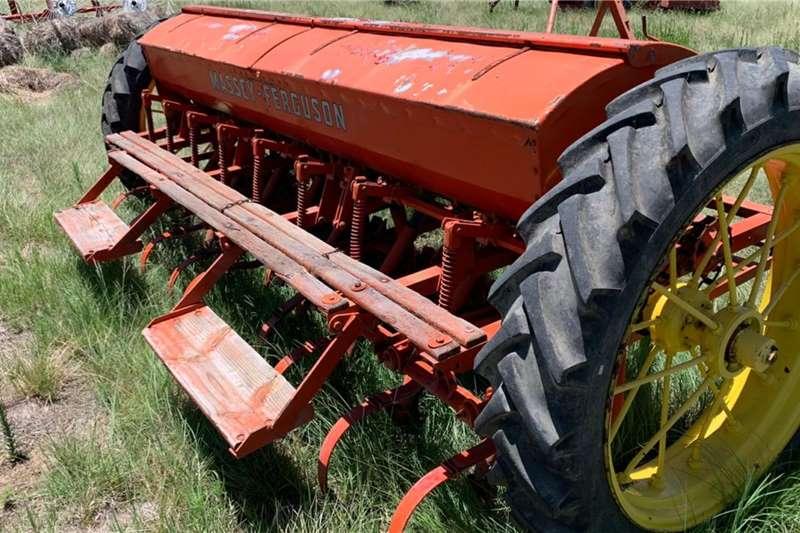 Massey Ferguson  16 Ry Massey Ferguson Koring / Fynsaad Planter