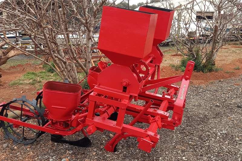 Massey Ferguson 2 Row Planter Planting and seeding equipment