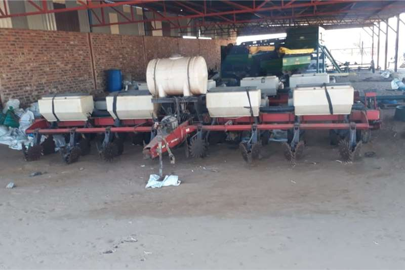 Massey Ferguson Massey Ferguson X2 MF 555 Planting and seeding equipment