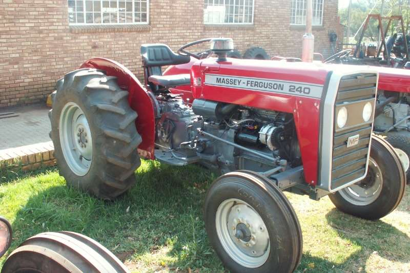 Massey Ferguson Tractors 240  2x4 35kw