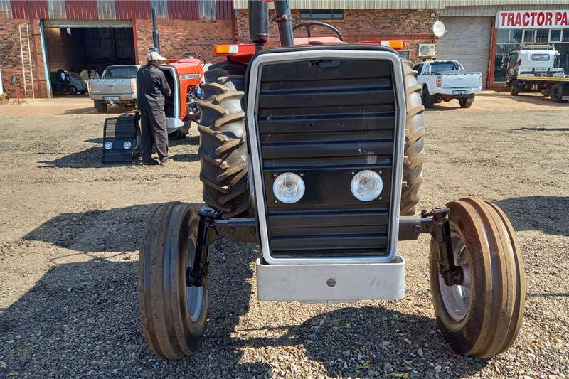 Massey Ferguson 275 Tractors
