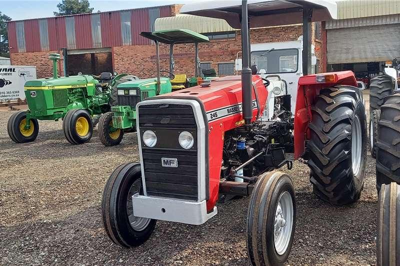 Massey Ferguson 2WD tractors Massey Ferguson 245 (New Tyres) Tractors