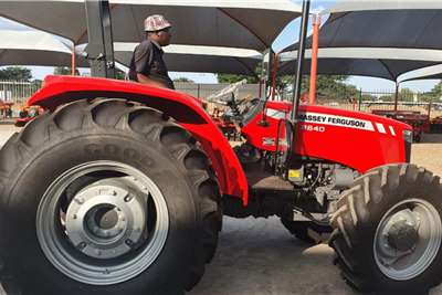 Massey Ferguson 2WD tractors Massey Ferguson 2640 Tractors